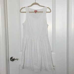 Pretty white dress- 10